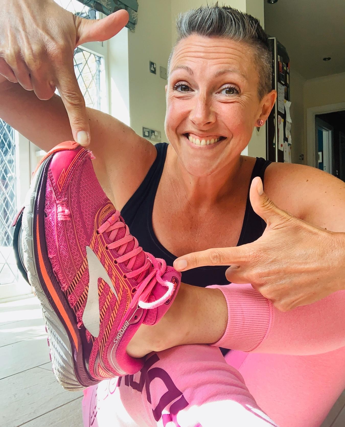 Online dance studio - acrobatic arts teacher leonie lawmon